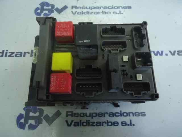 renault vel satis fuse box fuse box renault vel satis  bj0   3 0 dci  bj0j  bj0n  8200220684  renault vel satis  bj0   3 0 dci  bj0j