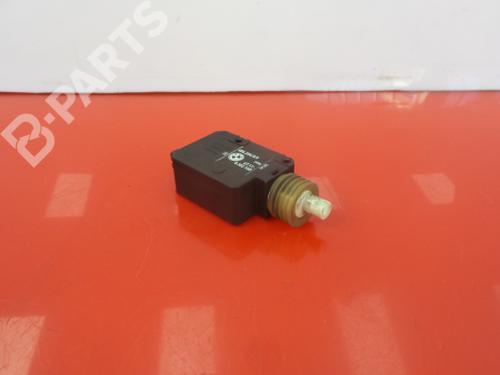 8352168 Fechadura da mala 5 (E39) 525 tds (143 hp) [1996-2003]  3981954