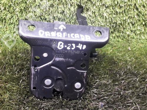 Bakluke lås AUDI A3 (8P1) 1.9 TDI danificada 34605502