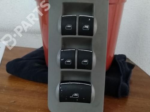Mando elevalunas delantero izquierdo A4 Convertible (8H7, B6, 8HE, B7) 2.5 TDI (163 hp) [2002-2005]  6182094