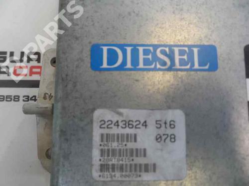 Centralina do motor BMW 5 (E39) 520 i 0 281 001 080  8410794