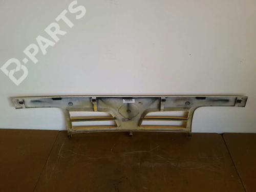 Rejilla delantera MERCEDES-BENZ E-CLASS (W210) E 320 (210.055)  3895707