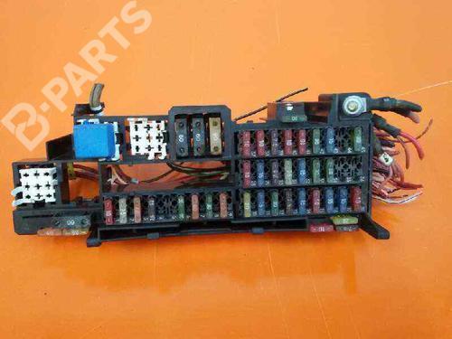 1686450240 | 0025450901 | Caja reles / fusibles A-CLASS (W168) A 170 CDI (168.008) (90 hp) [1998-2001]  1038314