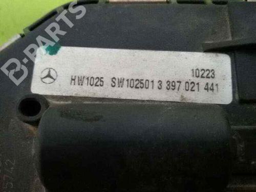 Motor limpia delantero MERCEDES-BENZ C-CLASS T-Model (S204) C 220 CDI (204.202) A2048201140 | 1137328693 | 20626019