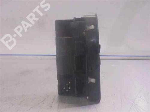 Fensterheberschalter links vorne BMW 5 (E39) 525 tds  33974197