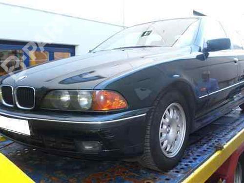 Steuergerät Motor BMW 5 (E39) 520 d 281010205   34004643