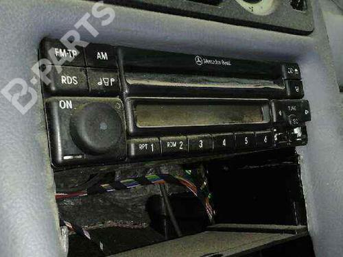 Sistema audio CLK (C208) 200 (208.335) (136 hp) [1997-2002]  3713654