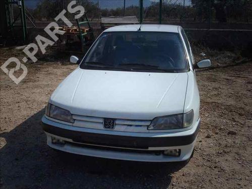 Porta Frt. Dir. 9004L8 PEUGEOT, 306 Hatchback (7A, 7C, N3, N5) 1.9 D(3 portas) (69hp) XUD9, 1993-1994-1995-1996-1997-1998-1999 26166028