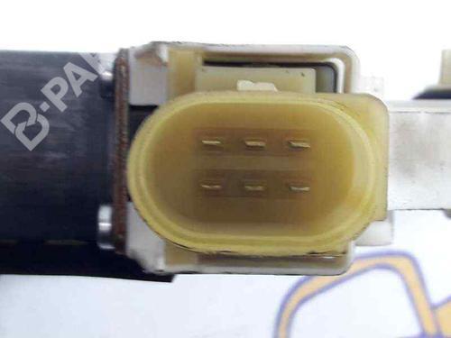 Elevador vidro frente direito BMW 3 Coupe (E92) 330 d 67627189232 | 0130822309 BOSCH | CONECTOR DE 6 PINES | 20060421
