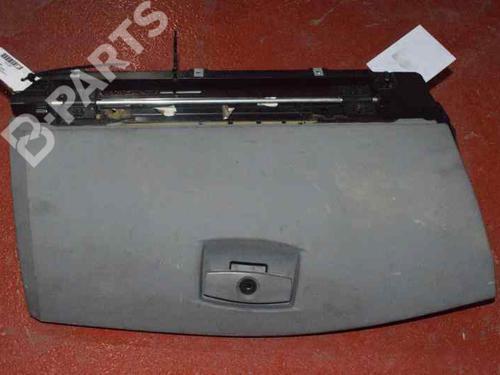 GRIS CLARO | Porta-luvas 5 (E60) 530 d (218 hp) [2002-2005]  1169074