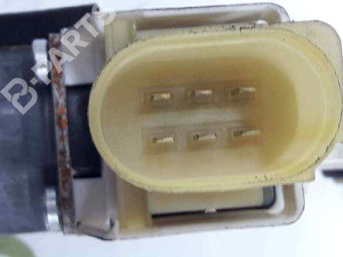Elevador vidro frente esquerdo BMW 3 Coupe (E92) 330 d 67627189231   0130822308 BOSCH   CONECTOR DE 6 PINES   20060386