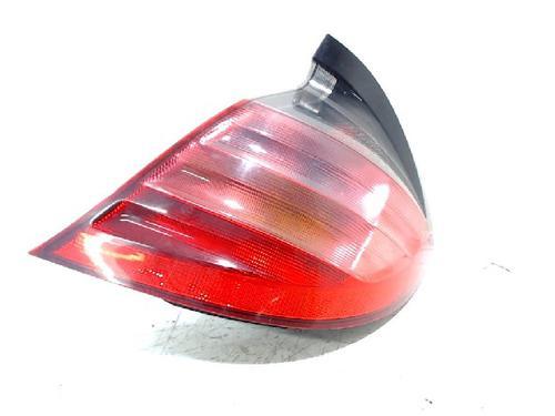 : 15163100 Piloto trasero derecho C-CLASS Coupe (CL203) C 200 Kompressor (203.745) (163 hp) [2001-2002] M 111.955 5228497