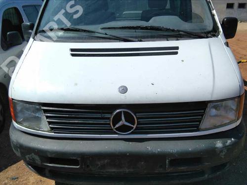 Rejilla delantera MERCEDES-BENZ VITO Van (638) 110 D 2.3 (638.074, 638.078)  3903933