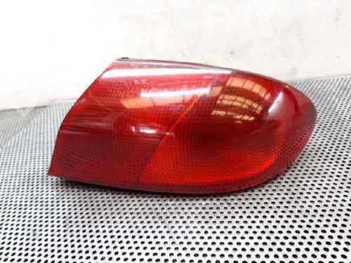 Feu arrière droite 166 (936_) 2.4 JTD (936AXA00, 936A3B00) (150 hp) [2002-2007] 841 C000 4875715