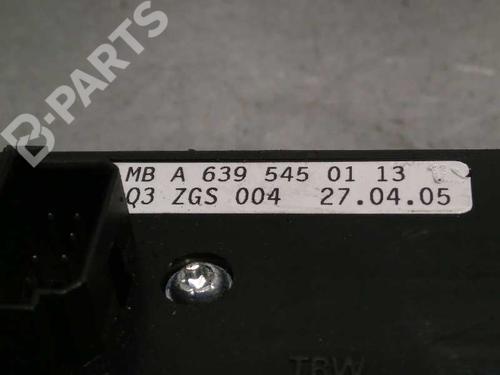 Mando elevalunas delantero izquierdo MERCEDES-BENZ VITO / MIXTO Van (W639) 111 CDI (639.601, 639.603, 639.605) A6395450113 3894457
