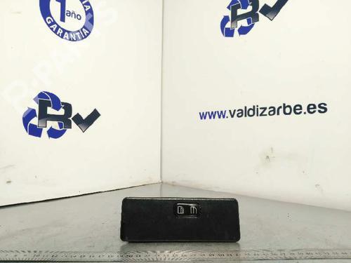 Mando elevalunas delantera derecho MERCEDES-BENZ VITO Van (638) 112 CDI 2.2 (638.094)  3903098