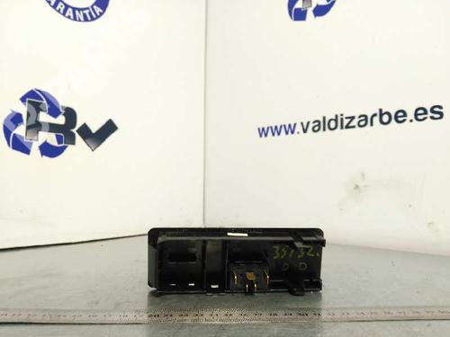Mando elevalunas delantera derecho MERCEDES-BENZ VITO Van (638) 112 CDI 2.2 (638.094)  3903099