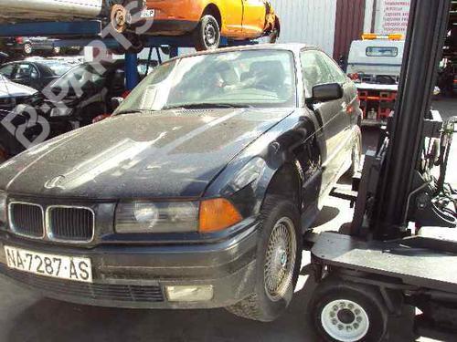 Pára-choques traseiro BMW 3 Coupe (E36) 325 i  27443335