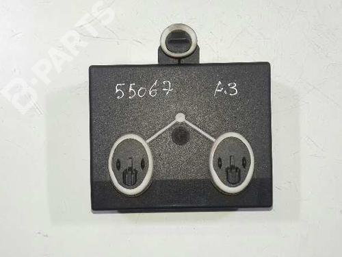 Dør styreenhet AUDI A3 (8V1, 8VK) 2.0 TDI 5Q0959393 30776099