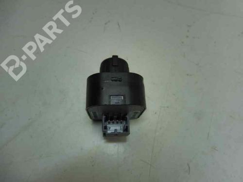 Switch 8E0959565 | AUDI, A3 (8P1) 1.9 TDI(3 doors) (105hp) BXE, 2003-2004-2005-2006-2007-2008-2009-2010 14429261