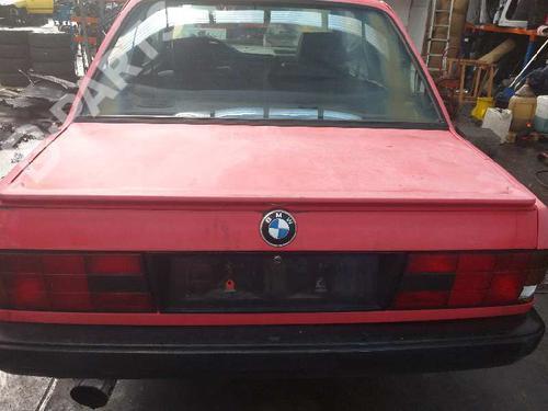 Tampa da Mala 3 (E30) 318 i (115 hp) [1987-1991] M40 B18 (184E1) 6587008