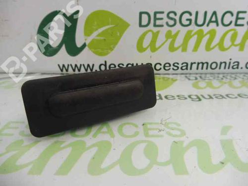 Puxador da tampa da mala PEUGEOT 2008 I (CU_) 1.6 HDi 95835T02 | 27813056