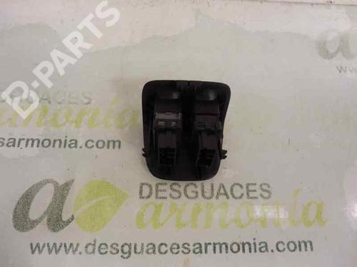 Comutador vidro trás direito PEUGEOT 206 Hatchback (2A/C) 1.4 HDi eco 70  27799341