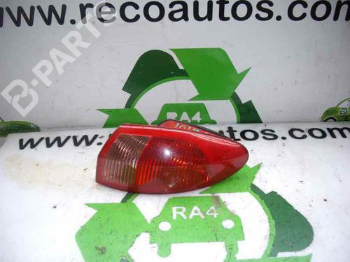 Feu arrière droite 147 (937_) 1.9 JTDM 8V (937.AXD1A, 937.AXU1A, 937.BXU1A) (120 hp) [2005-2010]  2090618
