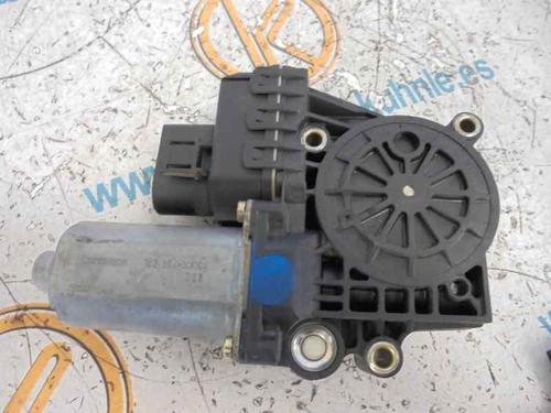 0130821774   Lève vitre avant droite A6 (4B2, C5) 2.5 TDI (155 hp) [2001-2005]  2473087