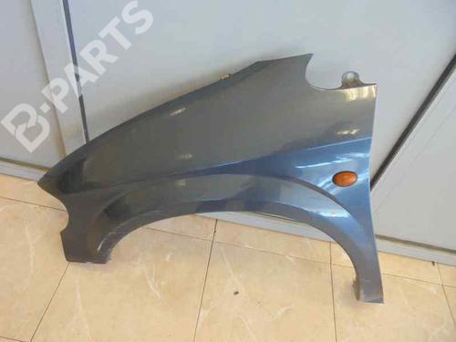 Guarda-lamas esquerdo VOYAGER IV (RG, RS) 2.5 CRD (141 hp) [2000-2008]  3525162