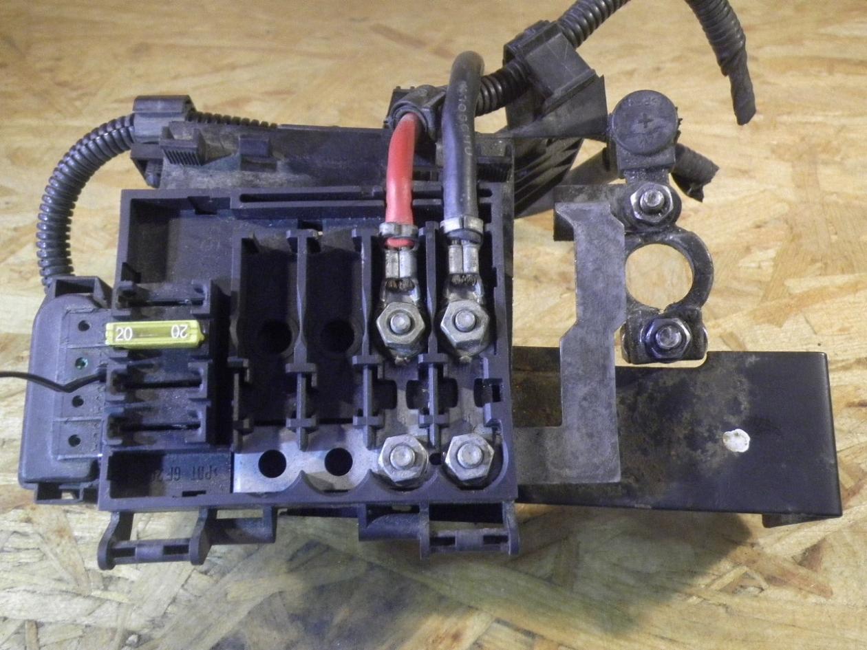 Caja Reles Fusibles Vw Polo 6n2 1 4 B Parts