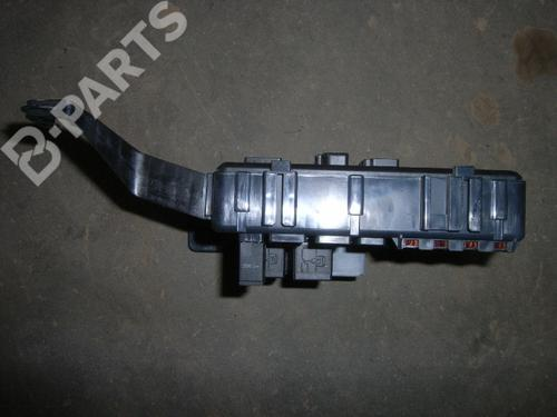 Fuse Box FORD MONDEO III Turnier (BWY) 2.0 16V 1S7T14A073AE   11211208