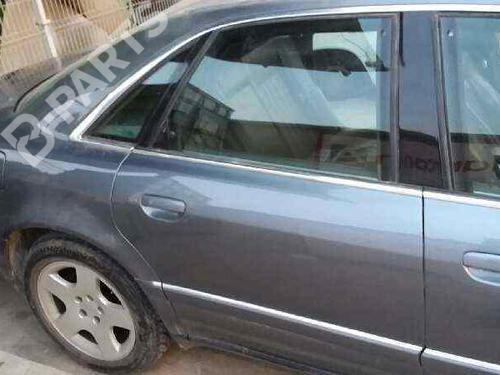Porte arrière droite AUDI A8 (4D2, 4D8) 2.8 (193 hp) 4D0833052E  