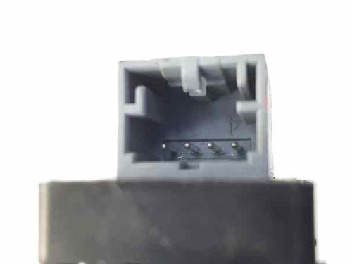 Venstre bagtil elrude kontakt AUDI A4 (8K2, B8) 2.0 TDI 8K0959855 | 3377-03S | 34981899