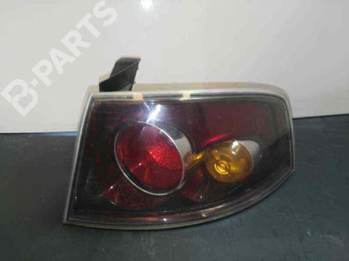 Feu arrière droite SEAT IBIZA III (6L1) 1.9 TDI 6L6945112 | 6L6945112 | 30219265