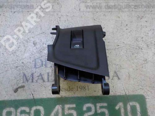 Mando elevalunas trasera derecho AUDI A1 Sportback (GBA) 30 TFSI (116 hp)