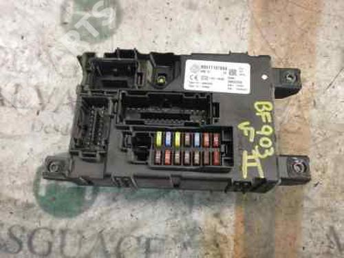 Caixa de fusíveis GRANDE PUNTO (199_) 1.3 D Multijet (199.AXD11, 199.AXD1A, 199.AXD1B,... (90 hp) [2005-2010] 199 A3.000 3788301
