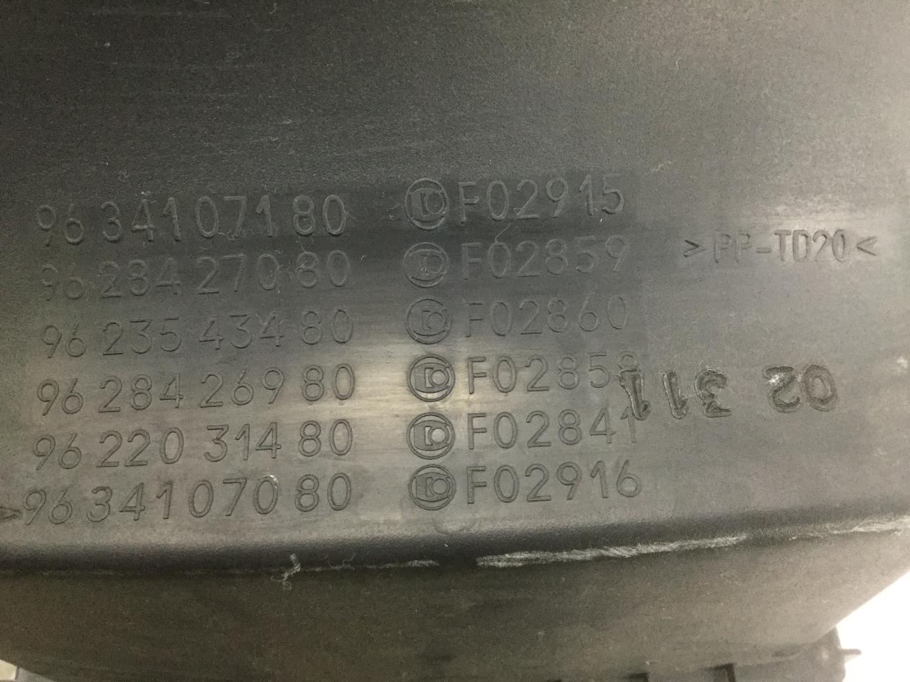 2.0 16 V # 331204 Citroen Xsara Picasso-Filtre à air-s/' adapte uniquement pour 1.8