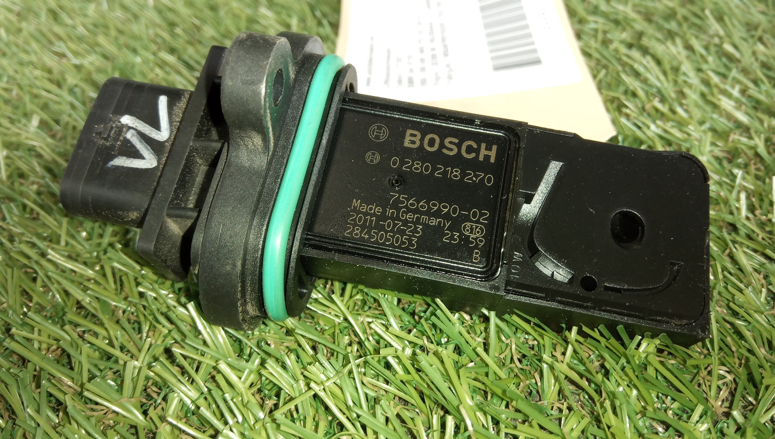 For BMW X5 2011-2013 Bosch 0280218270 Mass Air Flow Sensor