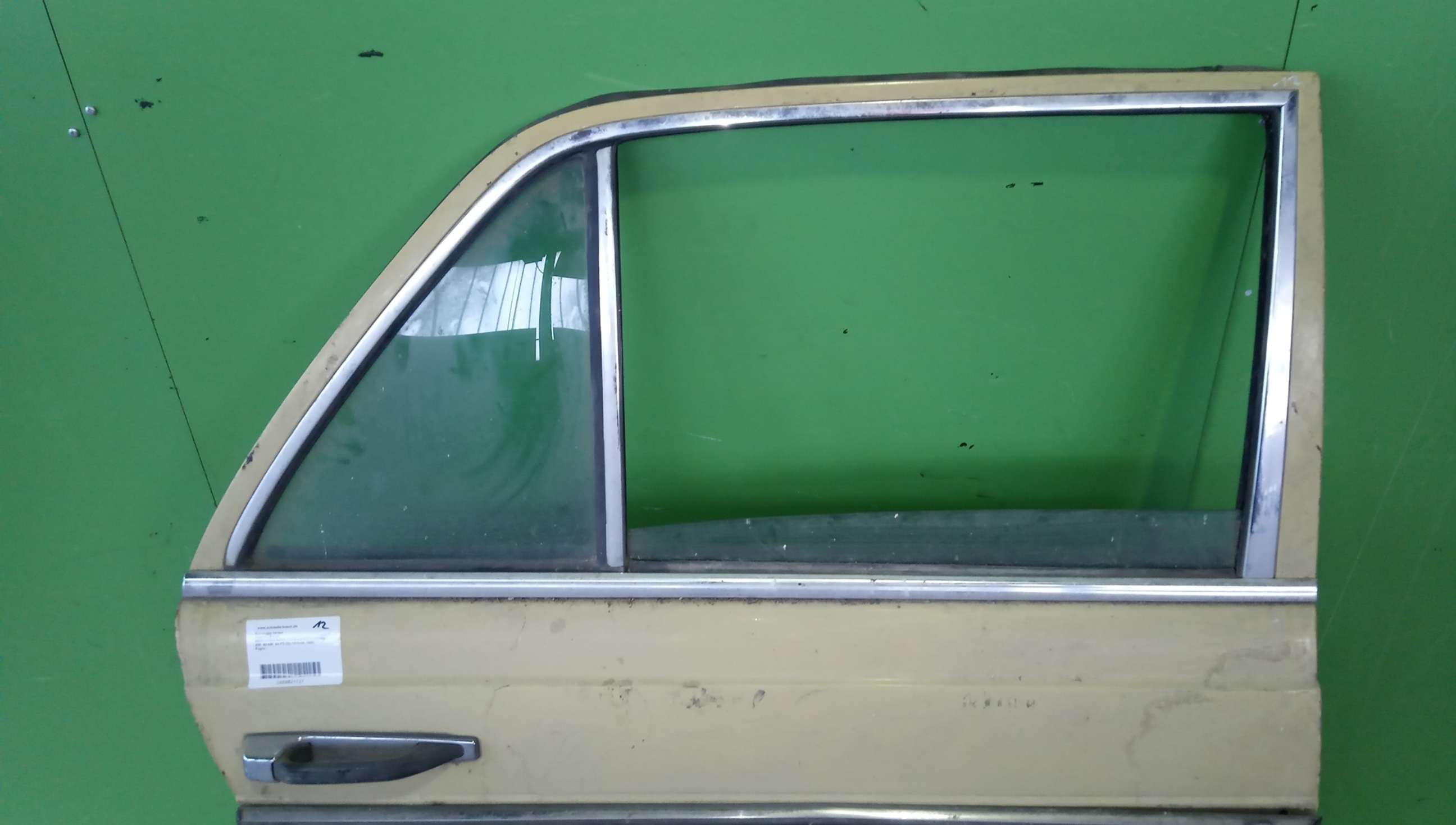 MERCEDES TYPE W114//W115 1968-1976 COMPLETE FLOOR FRONT /& BACK L//H