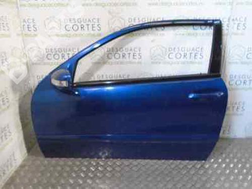 AZUL | 203 820 55 26 (02) | Puerta delantera izquierda C-CLASS Coupe (CL203) C 220 CDI (203.706) (143 hp) [2001-2004]  5533712