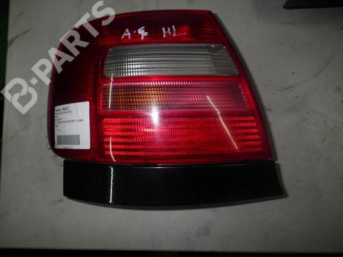 Venstre Baklys A4 (8D2, B5) 2.4 (163 hp) [1997-2000]  5471415