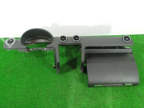 Instrumentbord A3 (8P1) 2.0 TDI (140 hp) [2005-2008] BMM 1006540