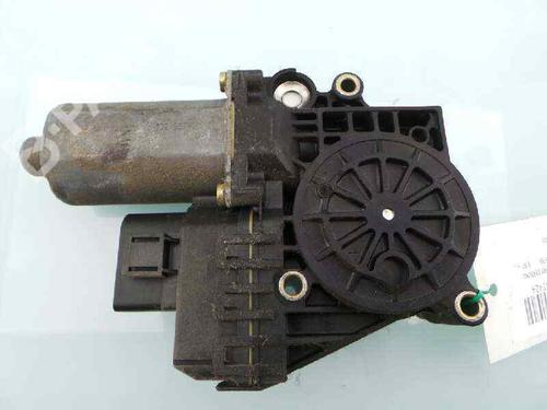 4B0971035AP   4B0971035AP   Lève vitre arrière droite A6 (4B2, C5) 1.9 TDI (110 hp) [1997-2000]  4914133