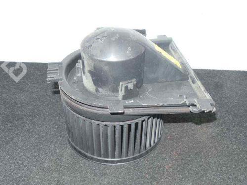8D1819021B - F658211V | VALEO | Motor da chauffage PASSAT (3B2) 1.9 TDI (110 hp) [1996-2000]  5710981