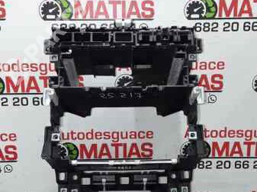 Instrumentbord AUDI A3 (8P1) 1.9 TDI 8P0858005B | 25217 | X | 36126983