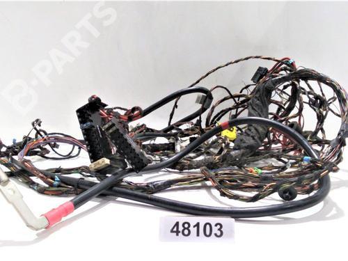 651940 | 48103 | X | Caja reles / fusibles VITO / MIXTO Van (W639) 110 CDI (639.601, 639.603, 639.605) (95 hp) [2010-2021] OM 651.940 6904927