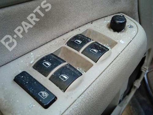 8E0959851DFKZ Fensterheberschalter links vorne A4 (8EC, B7) 2.0 TDI 16V (140 hp) [2004-2008] BLB 2997326