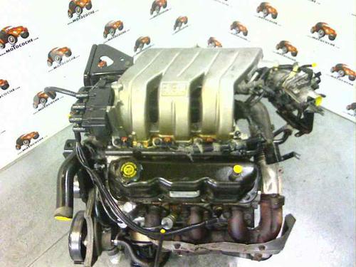 Motor CHRYSLER VOYAGER / GRAND VOYAGER III (GS) 3.3 i R00 12850024