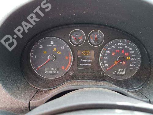 Plafoniera AUDI A3 Sportback (8PA) 1.6 TDI 8P0947135D   38019323